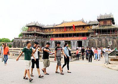 Gần 20 ngàn du khách thăm di tích tại Huế